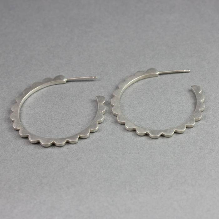 Audrey Hoops Large Silver Side