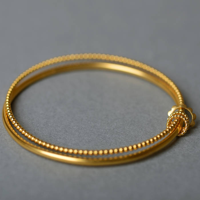 Betty Bangle Gold Detail 3