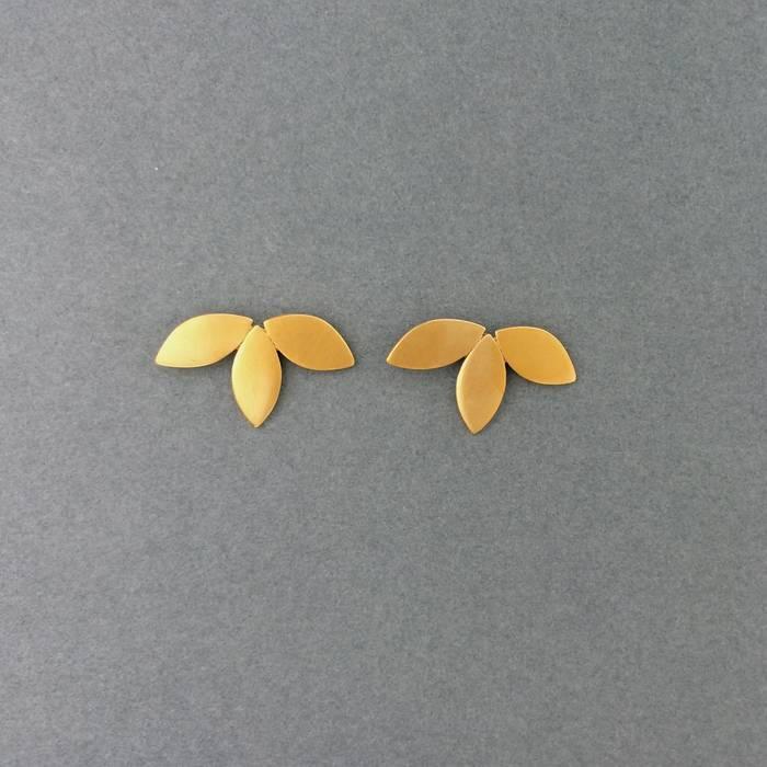 Flora Studs Gold
